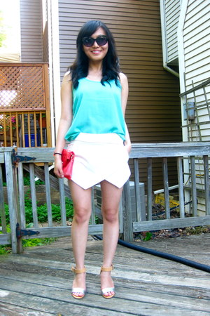 coral clutch Forever 21 bag - white skort Zara shorts