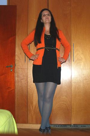 black cotton c&a dress - charcoal gray tights - carrot orange wool luigi bertoll