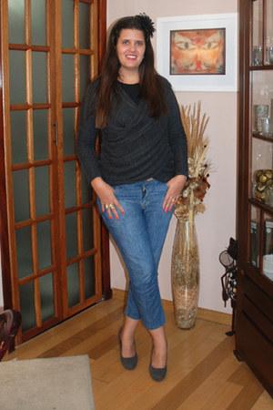 black flower clarieS hat - blue skinny jeans Renner panties - charcoal gray owl