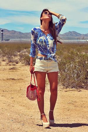 blue porcelain print Forever 21 blouse - beige denim Forever 21 shorts