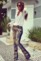 navy Moikana pants - white Moikana blouse