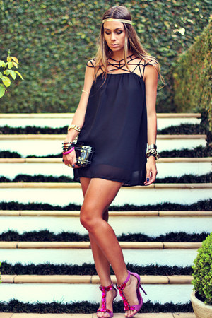 black Sheinside dress - magenta Schutz sandals - black Kafé Acessórios bracelet
