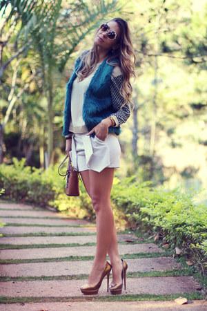 teal faux fur Haes vest - white Haes shorts - ivory knit Haes blouse