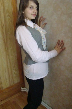 heather gray vest