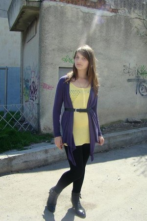 black boots - black tights - light yellow t-shirt - black belt - purple cardigan