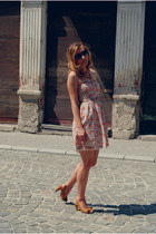 Bershka dress - New Yorker sunglasses - Stradivarius sandals