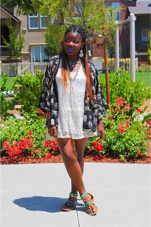 black kimono Forever 21 cardigan - cream lace Urban Outfitters dress