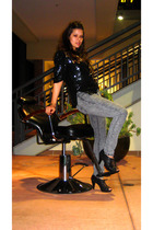 vintage top - vanilla star jeans - Target shoes - Gift from Maggie in Italy brac