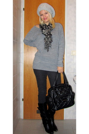 black Deichmann boots - black Vero Moda jeans - heather gray Only sweater