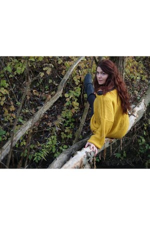 yellow Bershka sweater