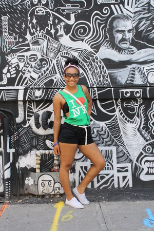 Forever 21 shorts - simple Aldo bag - classic Gucci sunglasses