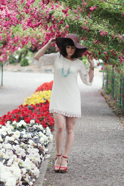 Lulus hat - Lulus dress - Lulus heels - Lulus bracelet - Peerless Charm necklace