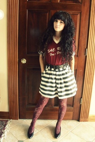 vintage t-shirt - Forever21 skirt - Fred Meyer tights - thrift shoes