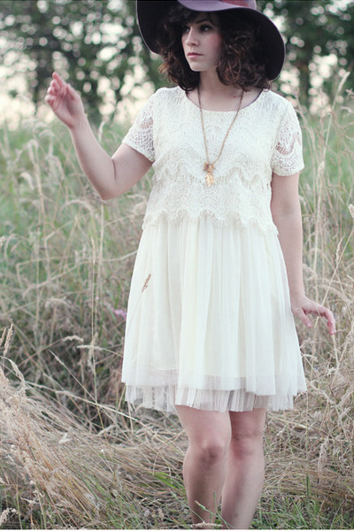 white TJ Maxx dress - Lulus hat - gold handmade necklace