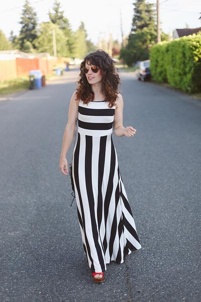 striped modcloth dress - similar Lulus heels