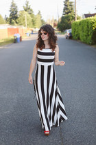 striped modcloth dress - similar Lulus heels