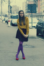 Purple-leggings-mustard-shirt-ruby-red-heels-black-polka-dot-skirt