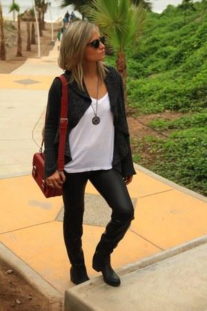 Mirelly Reyna leggings - Call it Spring boots - Basement sweater - Zara bag