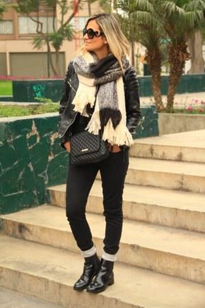 Zara boots - Zara jeans - H&M jacket - H&M scarf - MNG bag
