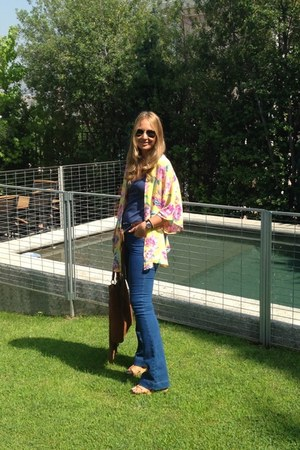 Zara jeans - suiteblanco bag - Mirelly Reyna blouse - Stradivarius heels