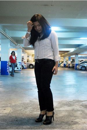 Charles & Keith heels - Mango jeans - Esprit blouse