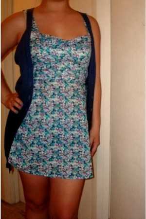 black black and white Converse shoes - turquoise blue floral dress Forever21 dre