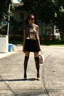 Brown-vintage-shirt-beige-body-glove-bag-black-pleated-maldita-skirt-camel