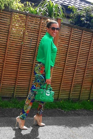 green Kaiser shirt - Forever 21 shoes - green Guess bag - Papper Scissors pants