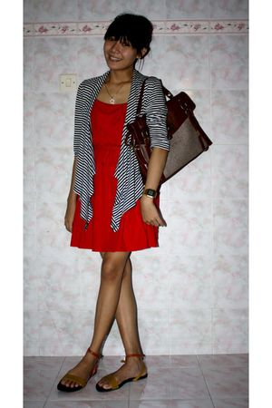 red ubranded dress - black Gaudi cardigan - mayonette olshop bag - cheaplover bo