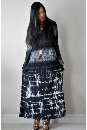 navy knit Graham & Spencer sweater - navy tie dye maxi Tart skirt
