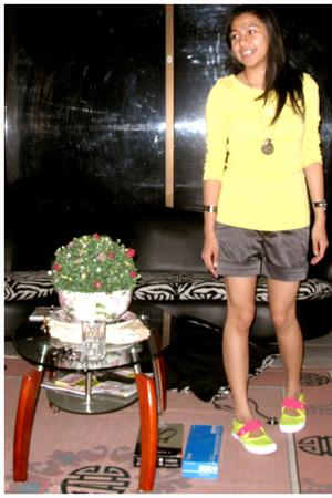 Mango shirt - Zara pants - nike shoes