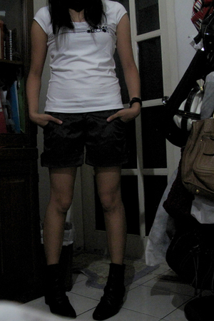 giordano shirt - Zara pants - from japan shoes