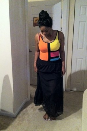 colorblocking Colorful bodysuit - black long skirt