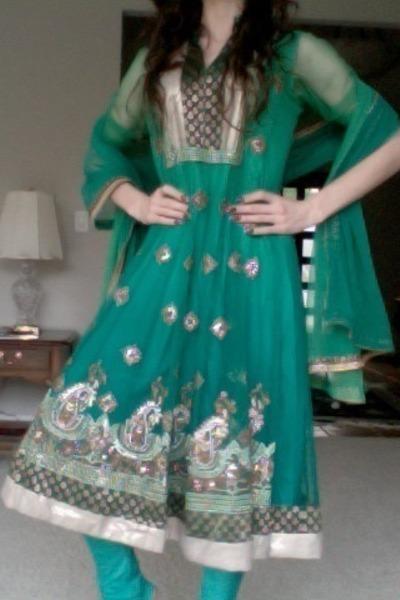 gold Kavita Bhartia scarf - teal Kavita Bhartia dress