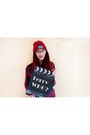 Ruby-red-beanie-tally-weijl-hat-crimson-cotton-studs-bershka-shirt