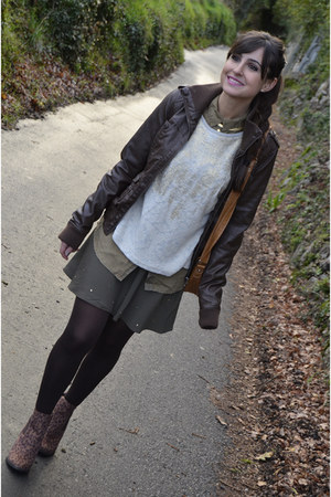 Mary Paz boots - pull&bear jacket - Zara sweatshirt - Bershka skirt