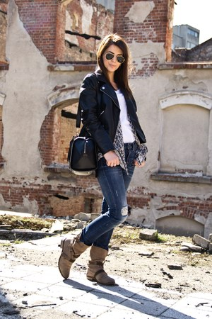 H&M jacket - Bershka boots - Zara jeans - Ray Ban sunglasses - H&M t-shirt