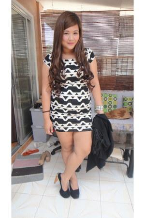 white tribal Forever 21 dress - black fringe Staple Lip Trend blazer