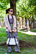 black strappy Zara sandals - light pink asos blazer