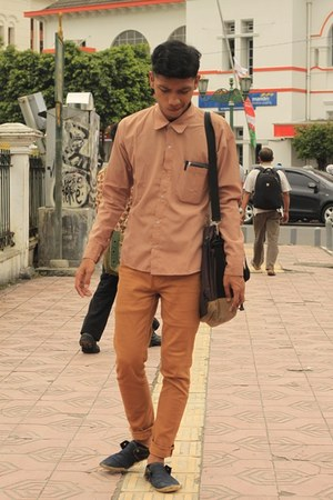 brown shirt - Chino pants - navy flats