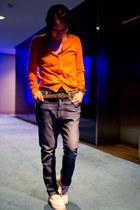 boyfriend jeans Current Elliott jeans - orange COS cardigan