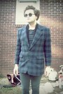 Faded-jeans-thrifted-blazer-john-lennon-glasses