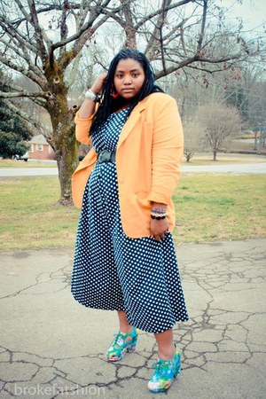 turquoise blue split wedge Urban Outfitters wedges - mustard thrifted blazer