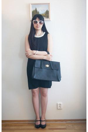 dress - sunglasses