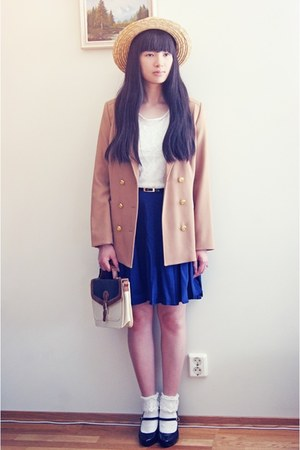 brown H&M blazer