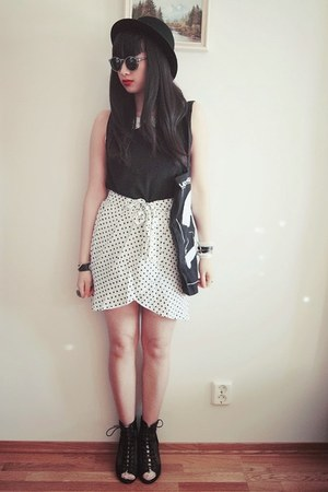 polka dot H&M skirt