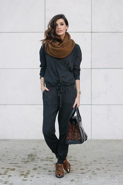 brown Uterque boots - dark gray Stefanel dress