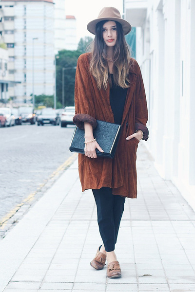 burnt orange vintage coat - camel Zara hat