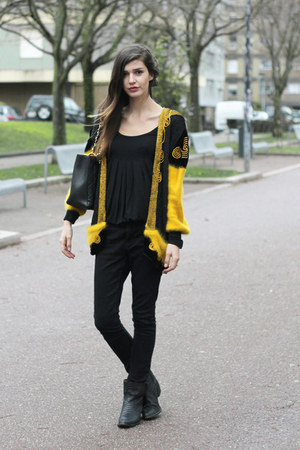 vintage jacket - Zara boots - Chanel bag