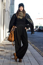 Bronze-uterque-bag-black-vintage-pants